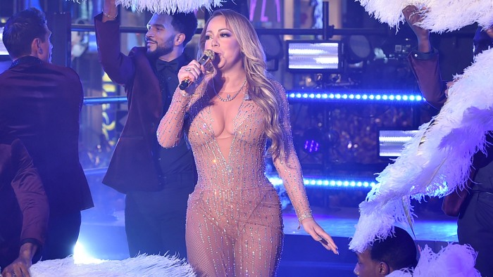Mariah Carey gives Times Square gig another try