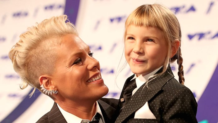 Pink shares emotional exchange with fellow mom: