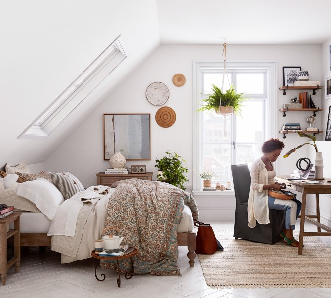 Pottery barn apartment is designed for small spaces for Affordable furniture west st paul