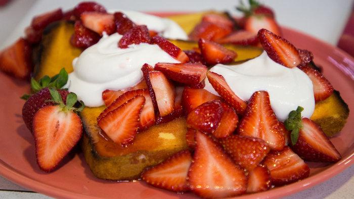 Sunny Anderson's Strawberry Shortcake