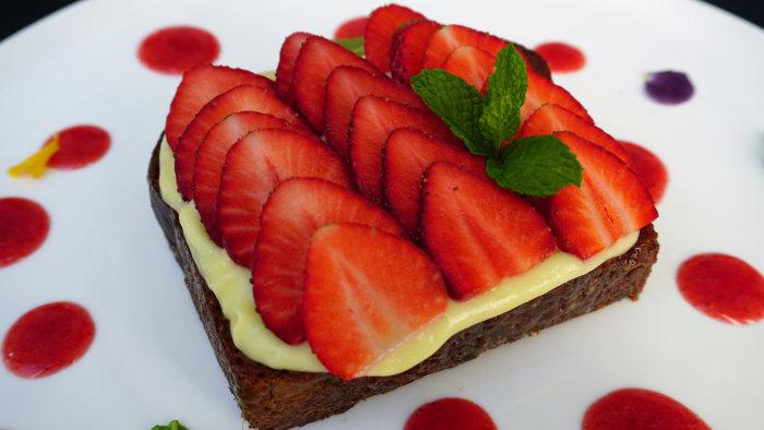 Caramelized Cream Cheese-Strawberry Brioche