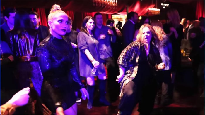 Jennifer Lopez And Melissa Mccarthy Can T Stop Laughing