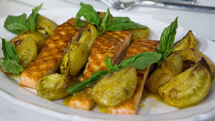 Alex Guarnaschelli's Grilled Salmon with Roasted Green Tomato