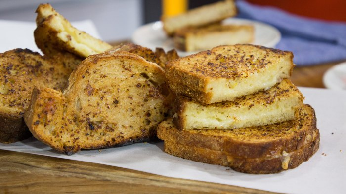 Elizabeth Heiskell's White Wine Grilled Cheese