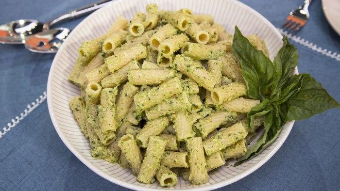 Ali Rosen's Pesto Vinaigrette Pasta