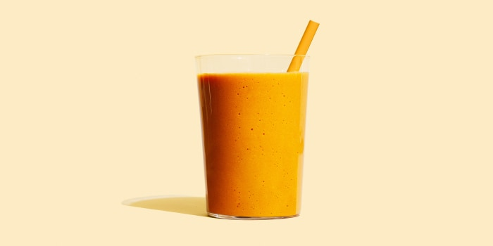 Bone broth smoothie is a trendy source of protein