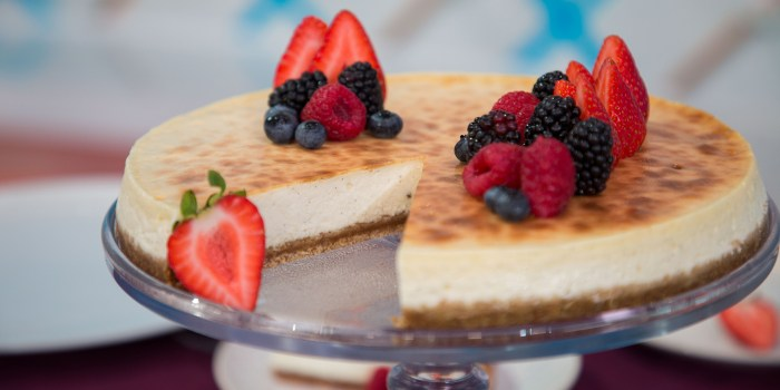 Duff Goldman's Bomb Cheesecake
