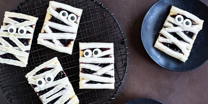 Halloween Boo-Berry Mummy Pies