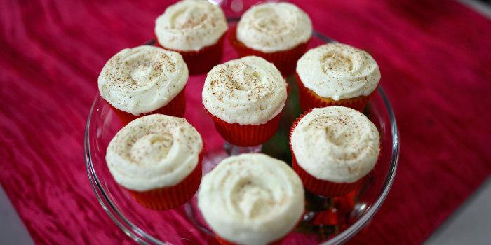 Elizabeth Chambers Hammer's Vanilla Cupcake with Eggnog Buttercream Icing