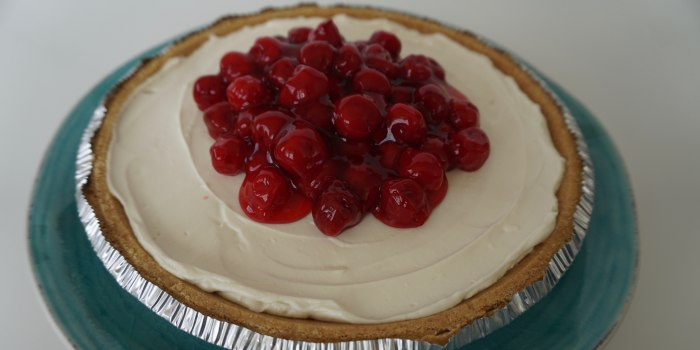 No-Bake Cheesecake with Sour Cream