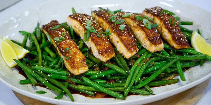 Skillet Salmon and Sesame Green Beans