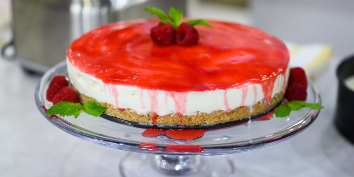 Alex Guarnaschelli's No-Bake Cheesecake + Stawberry Ice Cream Pie