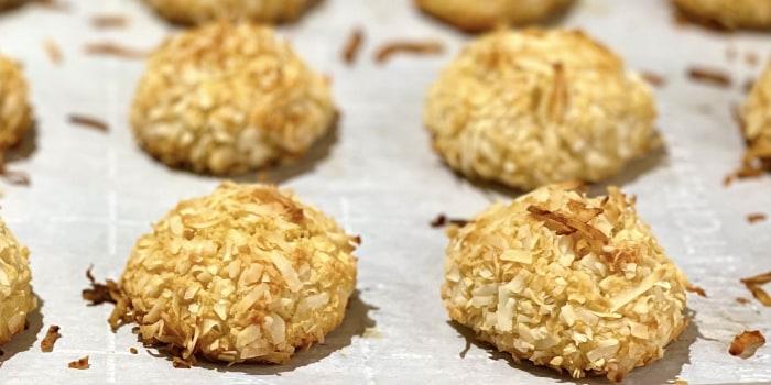 Joy Bauer's Snowball Coconut Macaroons