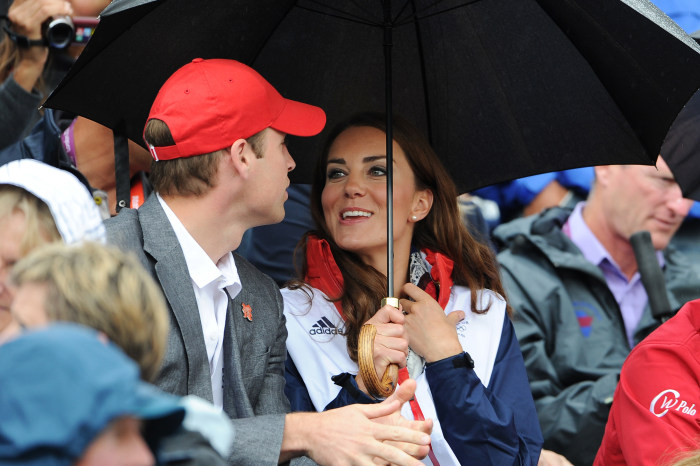 LONDON, ENGLAND - JULY 31:  (L-R) Prince William, Duke of Cambridge and Catherine, Duchess of Cambridge chat during the Show Jumping Eventing Equestri...