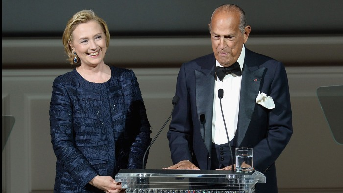 NEW YORK, NY - JUNE 03:  Hillary Rodham Clinton and Oscar de la Renta onstage at the 2013 CFDA Fashion Awards on June 3, 2013 in New York, United Stat...