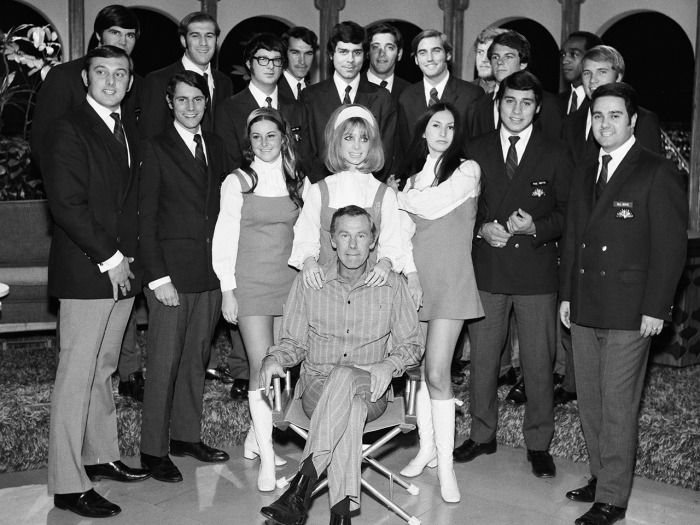 "THE TONIGHT SHOW STARRING JOHNNY CARSON -- ""Season 9"" -- Pictured: Host Johnny Carson (seated) with NBC Pages in 1970 -- Photo by: Fred Sabine/NBC/NBC..."