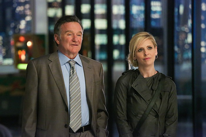 """Robin Williams and Sarah Michelle Gellar in the pilot episode of """"The Crazy Ones."""""""