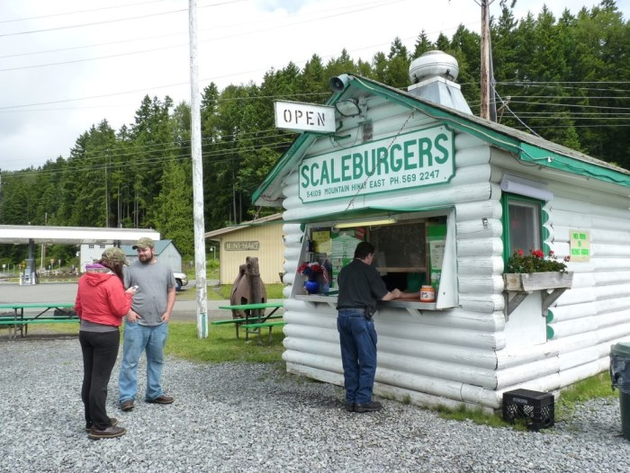 This roadside stop specializes in thick milkshakes and big burgers.