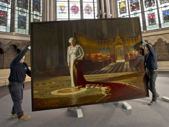 A portrait of the Queen by Ralph Heimans has been vandalized with spray paint whilst on display in Chapter House  at Westminster Abbey. The painting was unveiled in 2012 as part of the Diamond Jubilee celebrations.