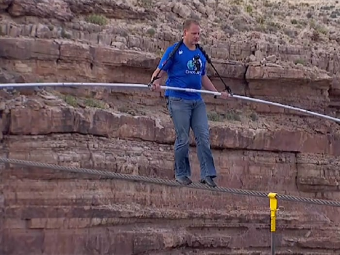 Nik Wallenda wore a pair of jeans on his high-wire walk.