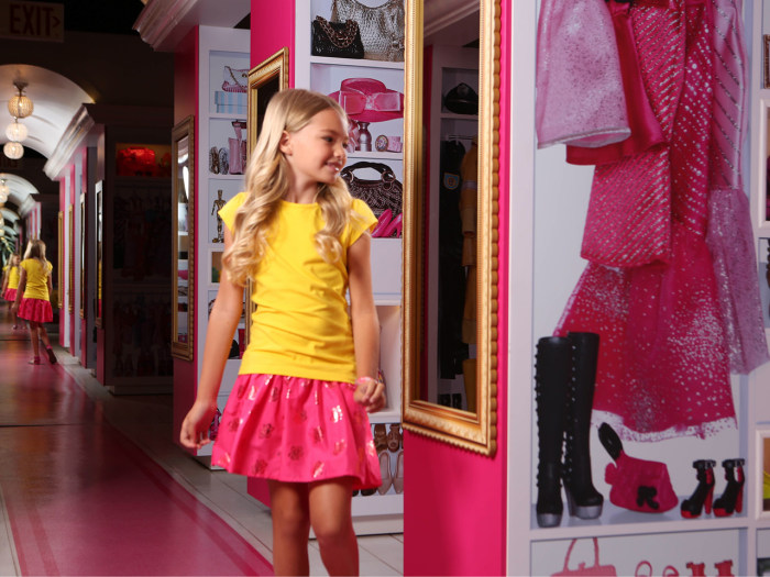 Barbie S Dreamhouse Now Life Size Reality In Florida