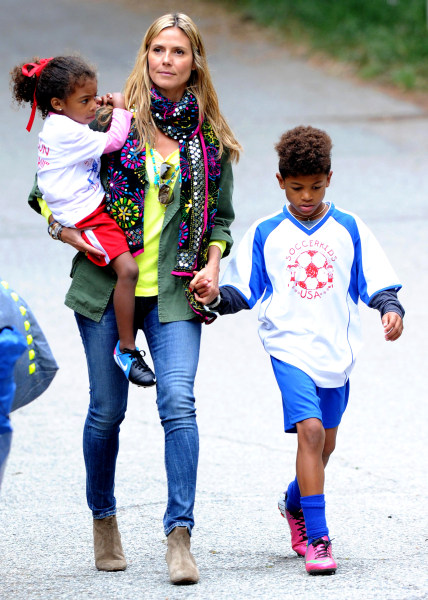 Malibu, CA - 04/13/2013- Heidi Klum spend the day at the Beach and the Park -PICTURED: Heidi Klum, son Henry and daughter Lou -PHOTO by: Daniel Robert...