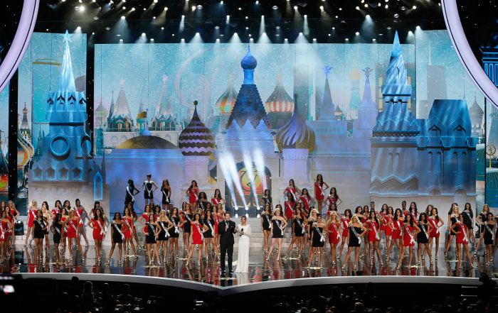 Contestants compete in the 2013 Miss Universe pageant in Moscow, Russia, on Saturday, Nov. 9, 2013. (AP Photo/Pavel Golovkin)
