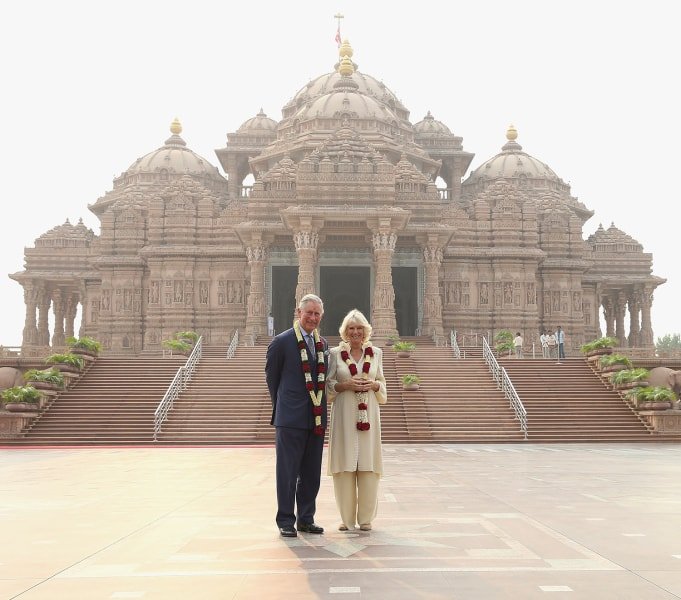 DELHI, INDIA - NOVEMBER 08:  Camilla, Duchess of Cornwall and Prince Charles, Prince of Wales pose outside the Akshardham Temple during day 3 of an of...