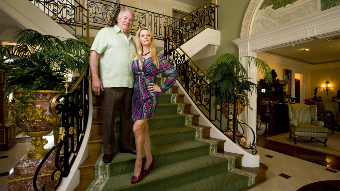 David Siegel, CEO of Orlando-based Westgate Resorts and his wife Jackie during a portrait session at their house on April 15, 2009 in Windermere, Flor...