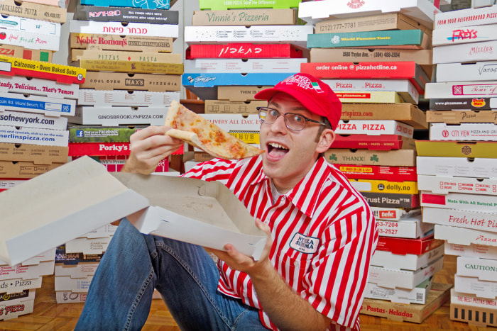 The largest collection of pizza boxes belongs to Scott Wiener and consists of 595 different boxes in Brooklyn, New York.
