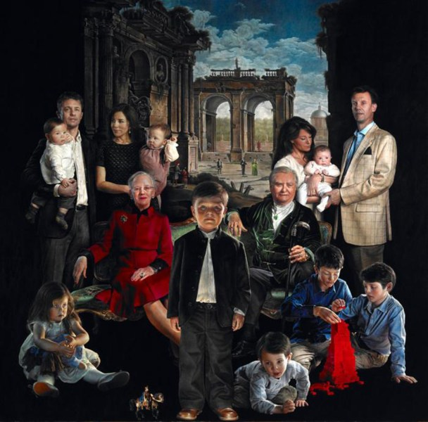 A portrait of the Danish Royal Family by artist Thomas Kluge has drawn criticism for being creepy.