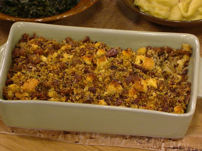 Fig, pecan and sausage cornbread stuffing