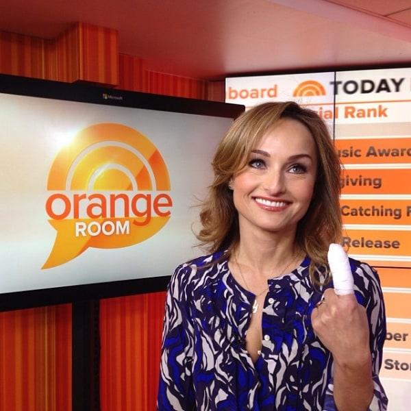 Giada De Laurentiis cut her finger live on air