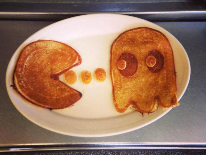 So classic. #dancakes #pacman #pancakeart