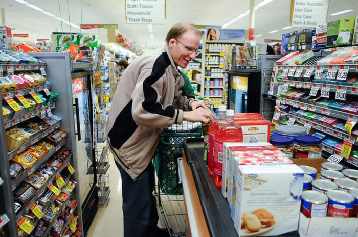 Image: Scott Macaulay buying groceries for Thanksgiving