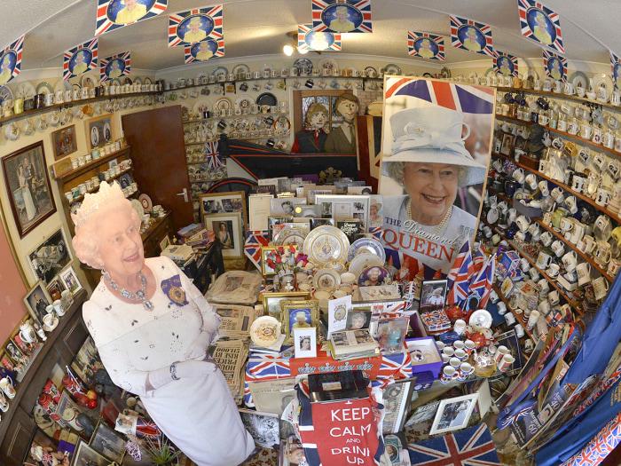 """Image: The """"Jubilee"""" room at Margaret Tyler's home is dedicated to Queen Elizabeth II."""