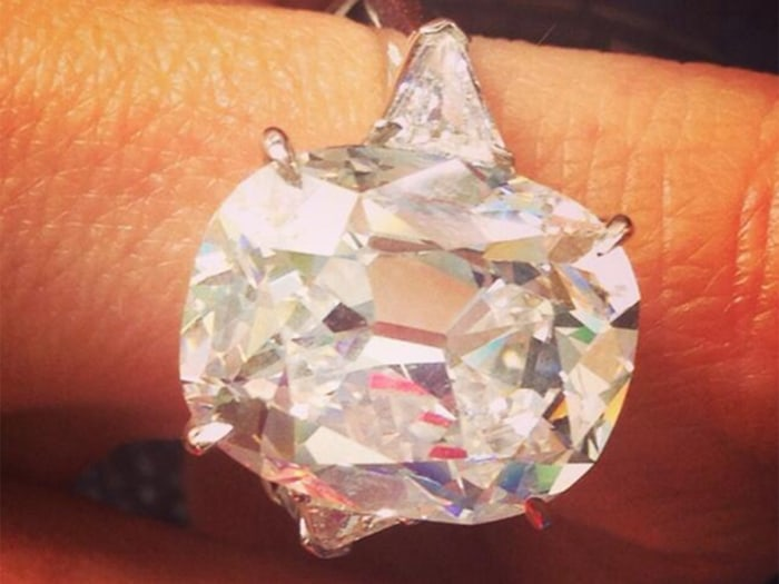 Giuliana tweeted an image of her borrowed Forevermark ring, remarking that it was worth a cool $1 million.