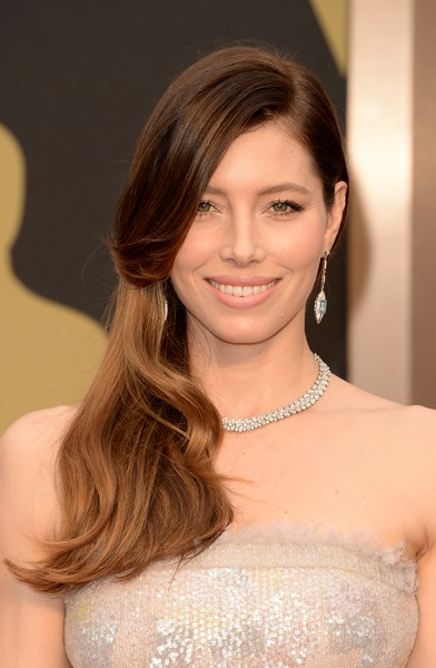 hairstyles that look good on everyone: jessica biel