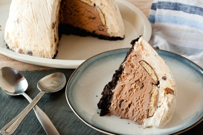 Tagalong ice cream bombe