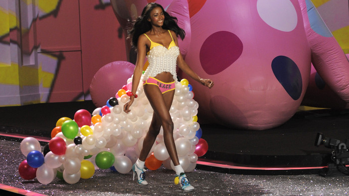 Victoria's Secret model Lyndsey Scott during the 2009 Victoria's Secret Fashion Show at the Lexington Armory in New York November 19, 2009.  The show ...