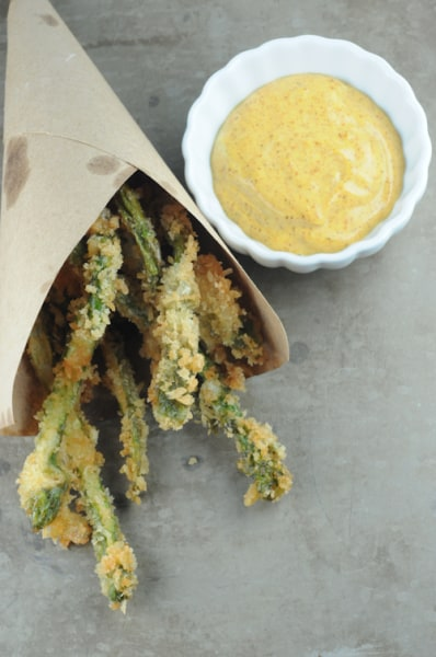 Crispy fried asparagus
