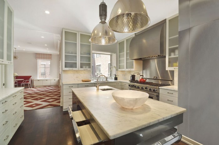 Author Jim Grant will have a large chef's kitchen to fuel his writing, after buying this Upper West Side condo for $9.15 million.