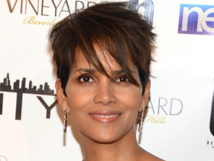 Cute short haircuts: Halle Berry