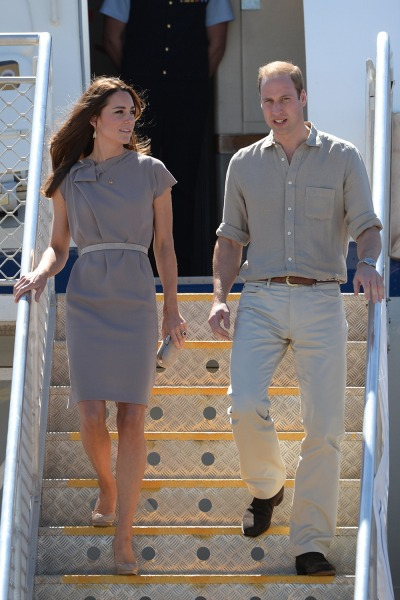 Duchess Kate and Prince William arrive at Ayers Rock Airport near Yulara, Australia on April 22, 2014.