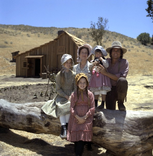 "The Ingalls family (Melissa Gilbert, Melissa Sue Anderson, Karen Grassle, Lindsay/Sidney Greenbush, and  Michael Landon) from ""Little House on the Prairie."""