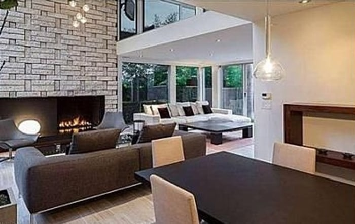 Meryl Streep has listed her home for $6.75 million a little more than a year after she bought the Mid-Century.