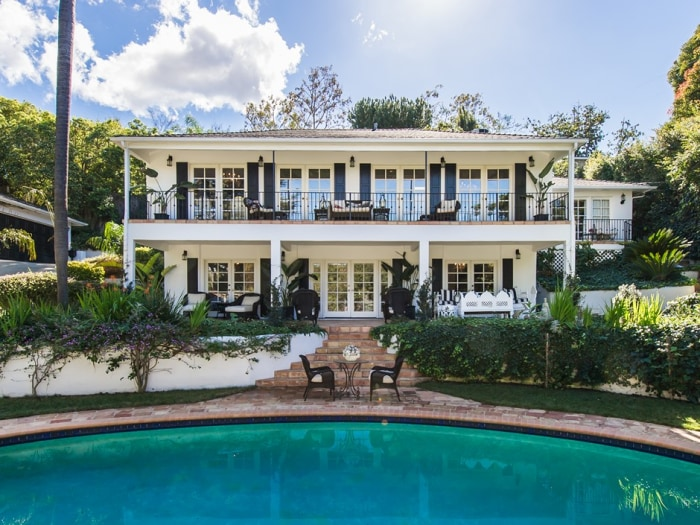 Faye Resnick's home, which she just sold, has a Federalist/New Orleans style.