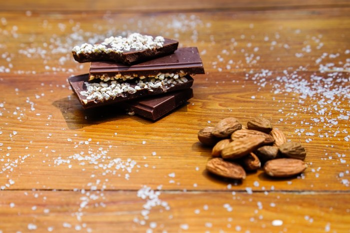 Salted almond bar