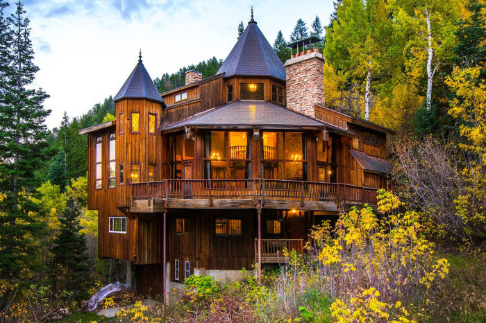 Utah mountain home hits the market - Small log houses dream vacations wild ...