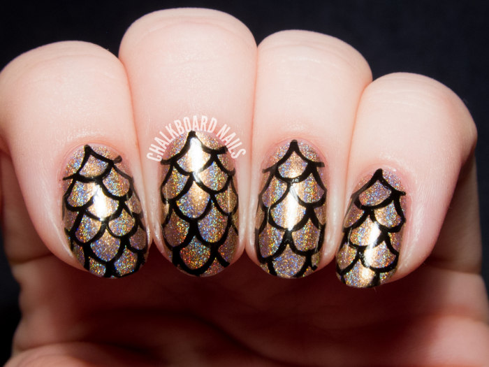 New Year's Eve nail art ideas as pretty as your party ...